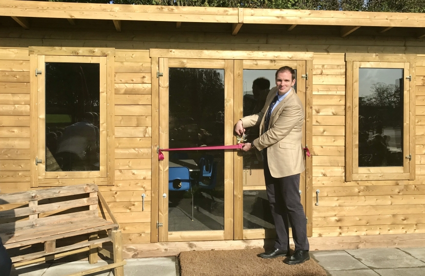 Dr Dan Poulter opens new Outdoor Classroom at Heath Primary School, Kesgrave